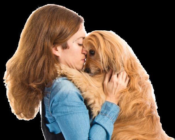 Abrazando a mi perro